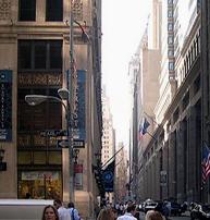 På Wall Street skapas tragedier för människor världen över.