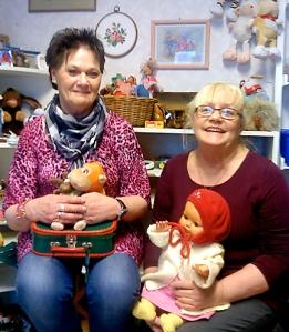 Siv Ahlberg och Ewy Fredin Nordlöf i leksaksrummet. Foto: Helena Palena