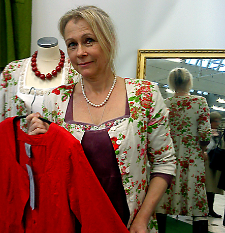 Maria Lindberg röd jacka