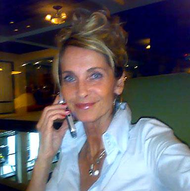 Yvonne i telefon