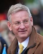 Nils Daniel Carl Bildt, född 15 juli 1949 i Halmstad, är en svensk politiker, adelsman och diplomat. Han var riksdagsledamot 1979–2001, partiledare för Moderata samlingspartiet 1986–1999 samt statsminister 1991–1994.