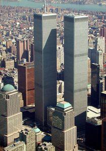 World Trade Centers norra torn (tornet till vänster) var världens högsta byggnad från 1970 till 1973.