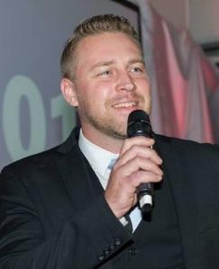 Mattias Hedarv Karlsson, född 17 augusti 1977.