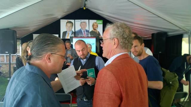 Carl Norberg och Partiet De Fria möter Björn Eriksson i Almedalen.