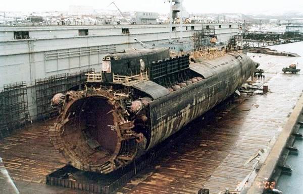K-141 Kursk var en rysk atomubåt av Antej-klassen, tillhörande Norra flottan, namngiven efter staden Kursk. Ubåten förliste år 2000. Wikipedia Längd: 154 m Byggstart: 1992 Sjösattes: 1994